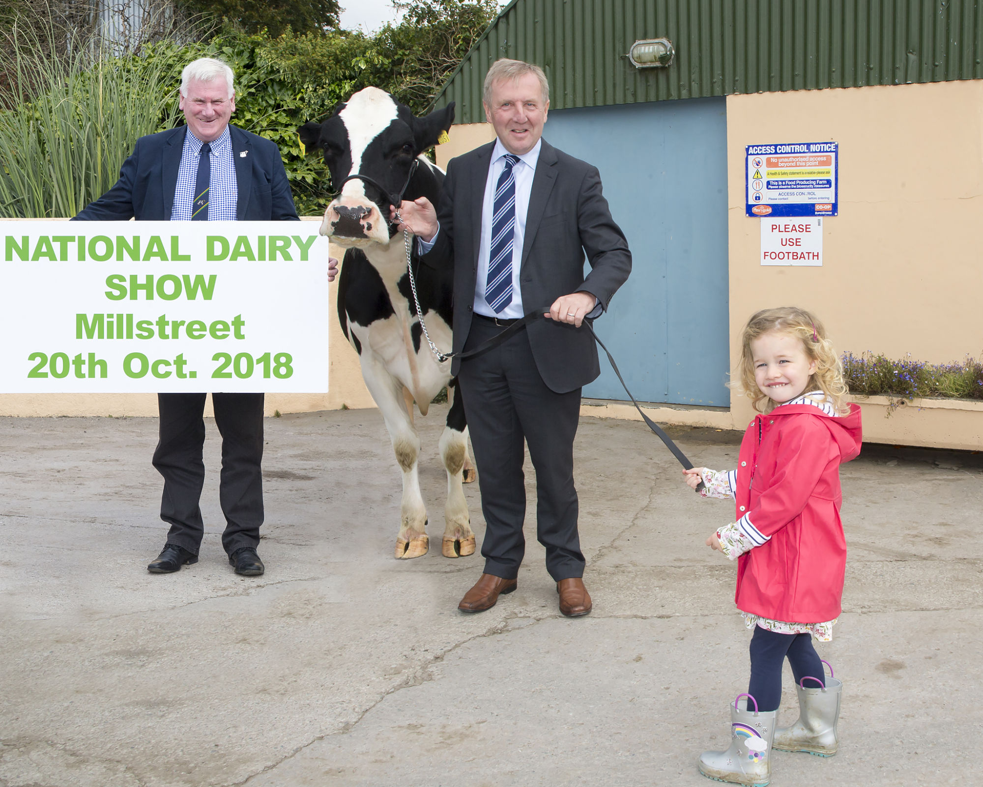 In a hurry to get to the National Dairy Show in Millstreet on Saturday 20th October 2018 is Pippa O'Mahony leading the way for Minister Michael Creed and Show Director John Kirby pictured at the press Launch of the Show
