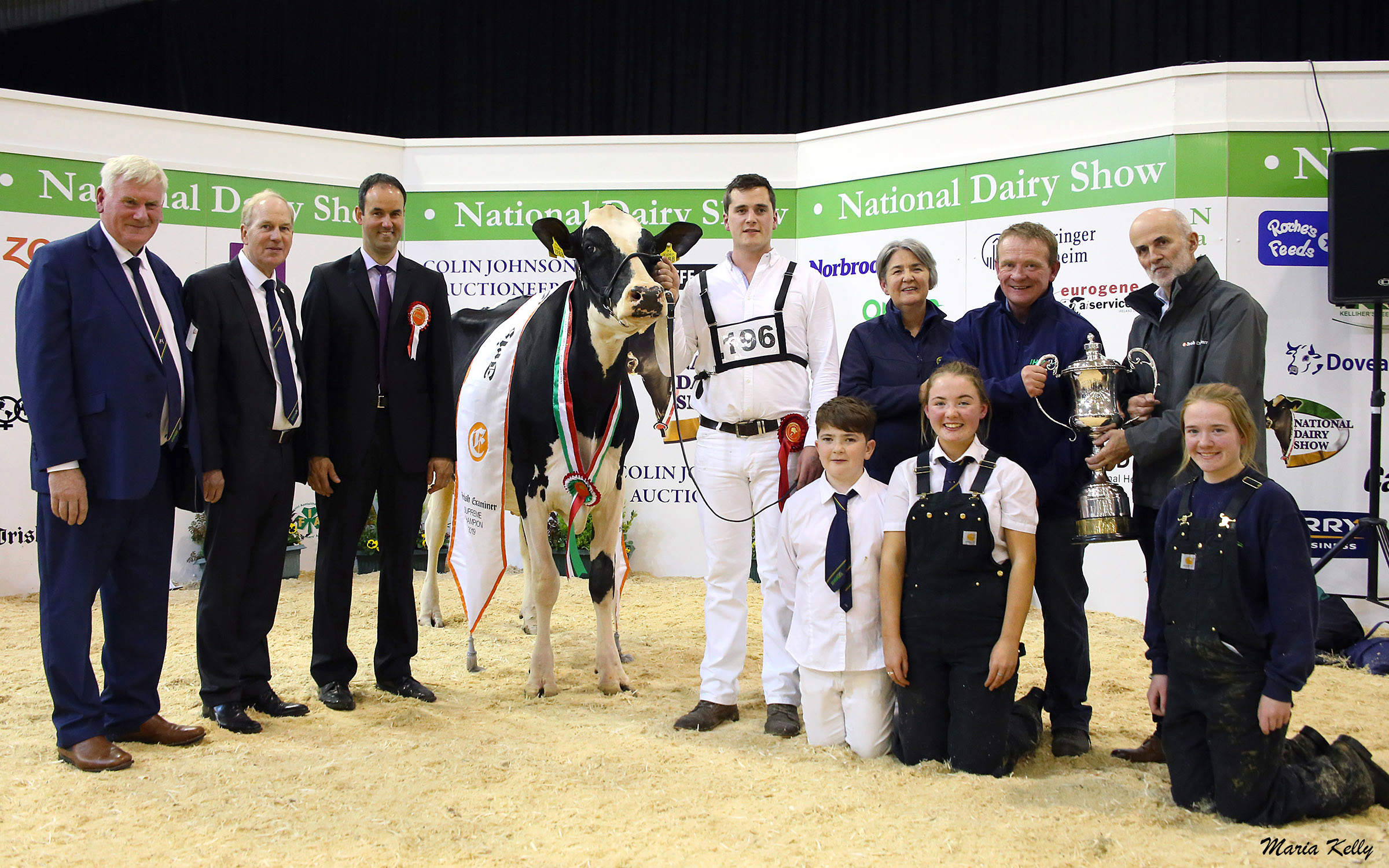 19-10-19,John Kirby, Director National Dairy Show, Charles Gallagher, Chief Executive, IHFA,  Erhard Junker, Judge with Lisnalty Megasire Rituel, owned by Paul Hannan, Irish Examiner Supreme Champion, handler Brendan Greenan with the Hannan family, Eileen, Jane, Clair and Bill, also pictured is Stephen Cadogan, Irish Examiner, Sponsor and. National Dairy Show, Green Glens, Millstreet 19th October 2019, Photo Maria Kelly